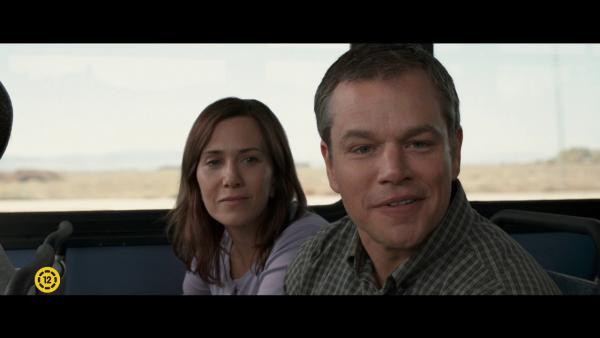 Embedded thumbnail for Matt Damon és Kristen Wiig lekicsinyítve
