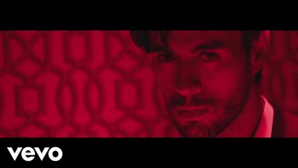 Embedded thumbnail for Enrique Iglesias igen merész videóklippel jelentkezett